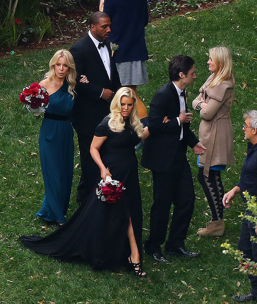 Jessica-Simpson-walked-down-aisle-Zach-Braff-pal-CaCee