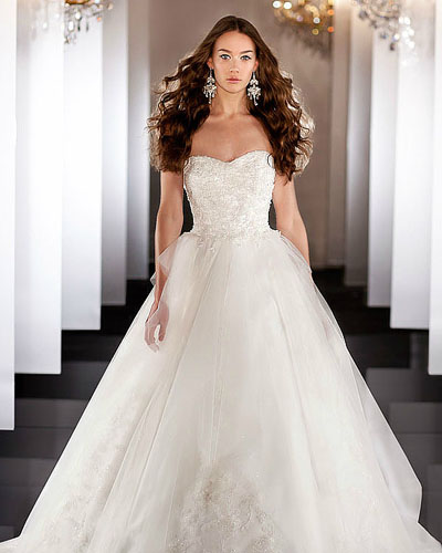 white straplee a-line lace wedding dress