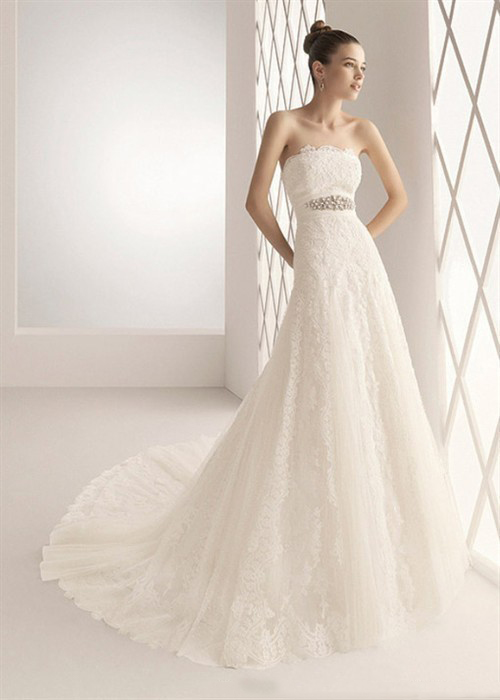 The simple lace a line wedding dress