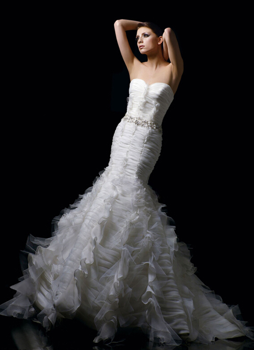 The strapless mermaid fold wedding dress