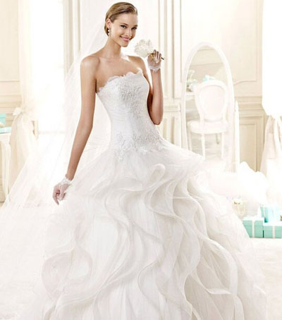 strapless ball gown wedding dress with long veil