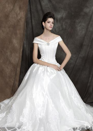 white off shoulder ball gown wedding dress