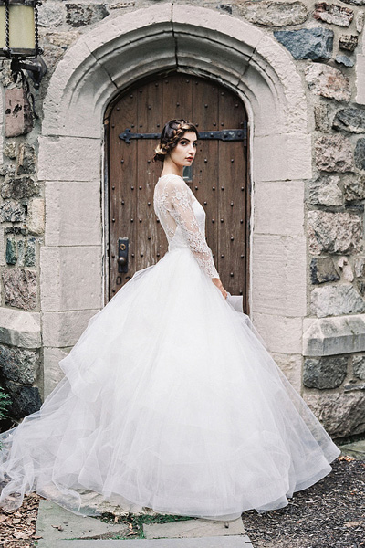 ball gown organza wedding dress